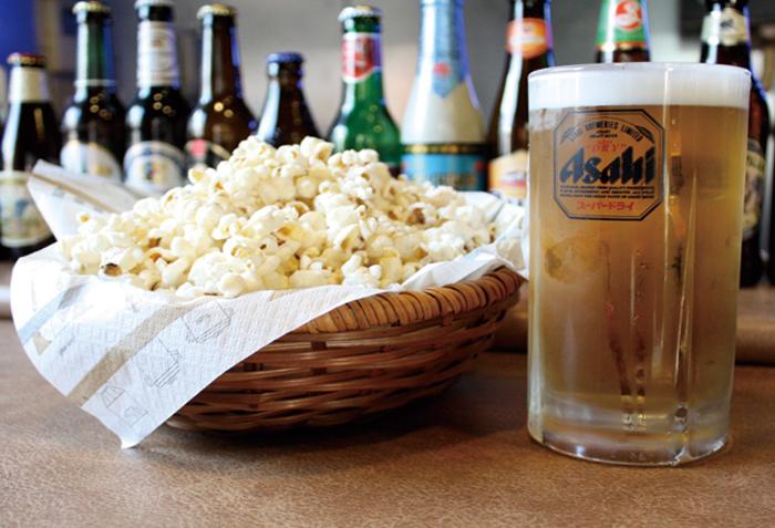 ビールのあてにポップコーンはいかがですか。(クーポン利用でポップコーンサービス)