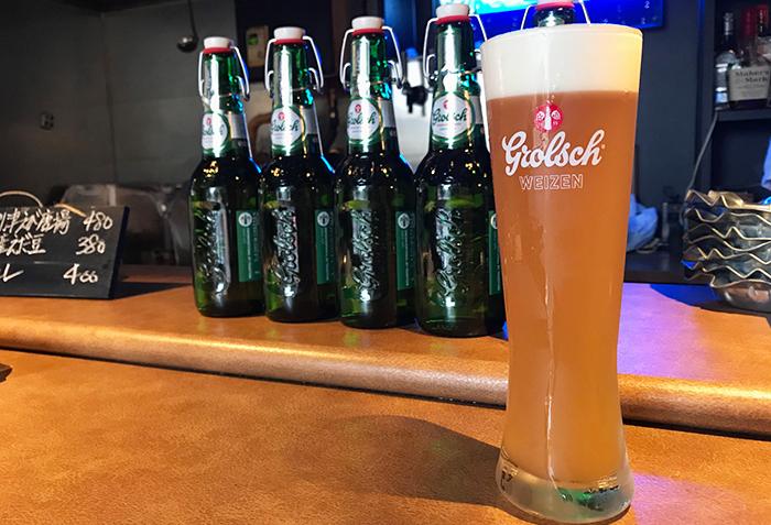 1615年にオランダで誕生した、世界最古のビールブランドの一つであるグロールシュ。ほのかに甘みを感じる心地よい香りと、爽快感のあるやわらかな後味が特長です。